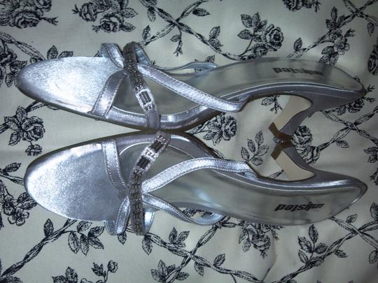 Unlisted by Kenneth Cole silver Sandals Image 3
