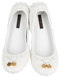 Louis Vuitton Gold Hardware Lv Round Toe Patent Leather Logo White, Gold Flats
