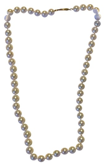 Preload https://img-static.tradesy.com/item/17242759/white-necklace-0-1-540-540.jpg