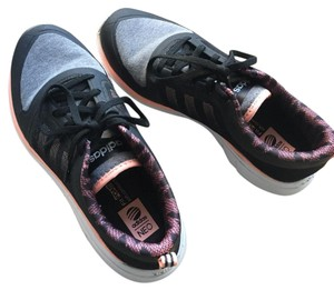adidas Black- coral pinkl Athletic