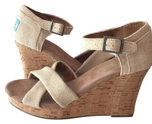 TOMS Tan/nude Wedges