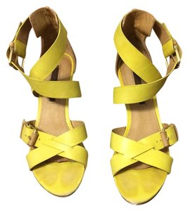 American Vintage sandals Yellow and beige Sandals