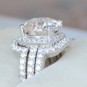 4.5 5 5.5 6 6.5 7 7.5 8 8.5 Diamond Certified Lab 30 Carat Cushion Cut Three Set Eternity Band Diamond Ring Proposal