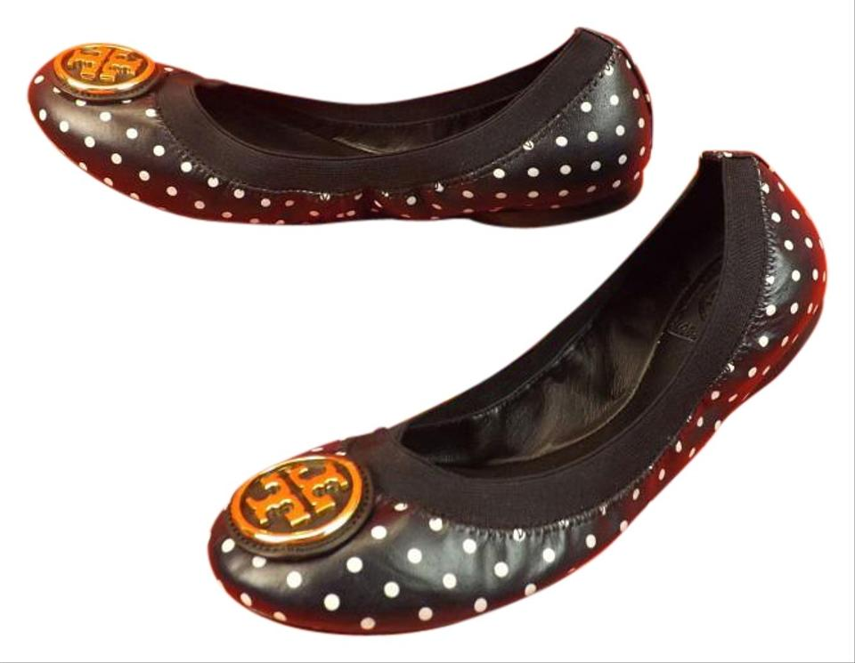 Accessorize fashionably with Tory Burch products in Singapore. Tory Burch is a famous luxury fashion brand that has taken the Singapore market by storm, like many others.