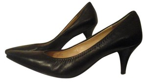 Tahari Black Pumps