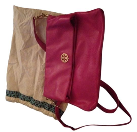 Preload https://item2.tradesy.com/images/tory-burch-pink-leather-cross-body-bag-1725636-0-0.jpg?width=440&height=440