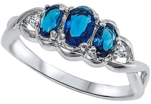9.2.5 gorgeous 3 stone blue sapphire cocktail ring size 7