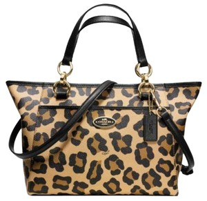 Coach Kelesy Ellis 35024 Satchel in Gold Oclet print