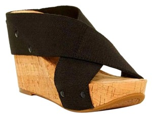 Lucky Brand Black & Tan Wedges