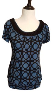 Maurices Scoop Neck Short Sleeve Stretchy T Shirt Blue with Black - geometric lattice print