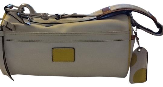 Preload https://item2.tradesy.com/images/coach-hamptons-white-with-touch-of-yellow-nylon-leather-trim-shoulder-bag-1726496-0-0.jpg?width=440&height=440