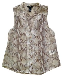 H&M Beige Button Front Beige Animal Print Snakeskin Beige Top Beige Snakeprint