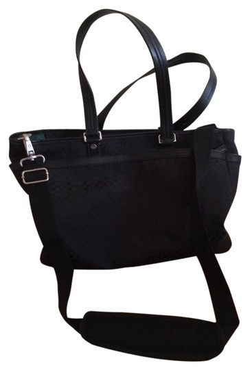 Preload https://img-static.tradesy.com/item/1726793/coach-black-signature-canvas-diaper-bag-0-0-540-540.jpg