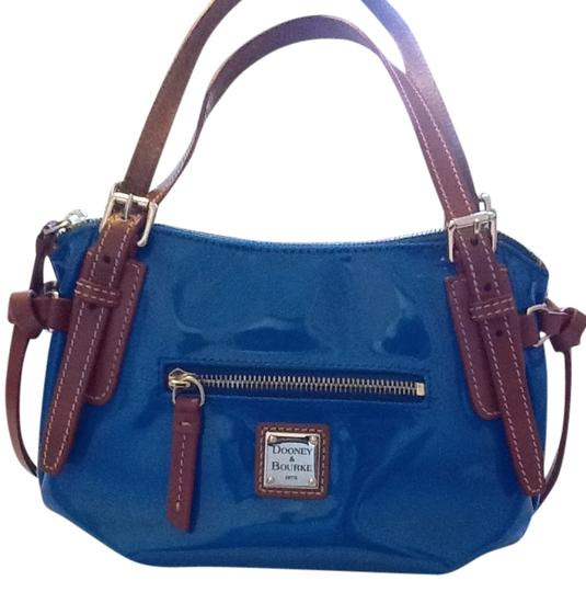 Preload https://img-static.tradesy.com/item/1726900/dooney-and-bourke-venus-nina-patent-blue-leather-shoulder-bag-0-0-540-540.jpg