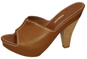 Max Studio Leather Open Toe Tan Mules