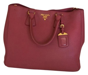 Prada Vitello Daino Tote in Peonia