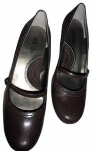 Kenneth Cole brown leather Pumps