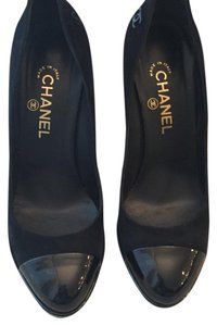 Chanel Black Pumps