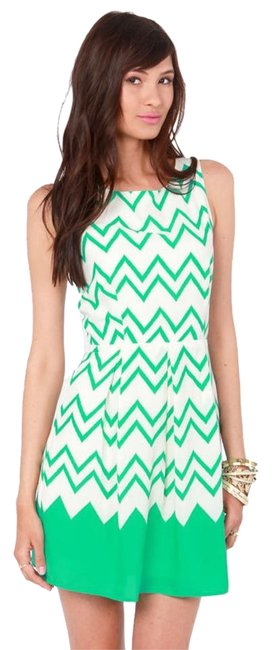 Item - White/Green All-star Lineup Sea Chevron Print Above Knee Cocktail Dress Size 4 (S)
