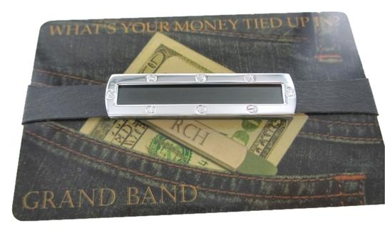 Preload https://img-static.tradesy.com/item/1727399/steel-money-clip-black-frame-with-screw-stainless-gb7000sbl-extra-0-0-540-540.jpg