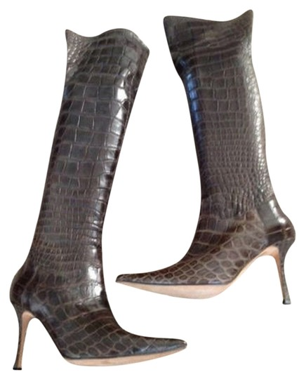 Preload https://item1.tradesy.com/images/vanessa-noel-alligator-sex-in-the-city-brown-boots-1727400-0-0.jpg?width=440&height=440