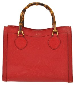 Gucci Extra Large Size Or Tote Multi-compartment Bamboo Handles Restored Lining Satchel in red leather