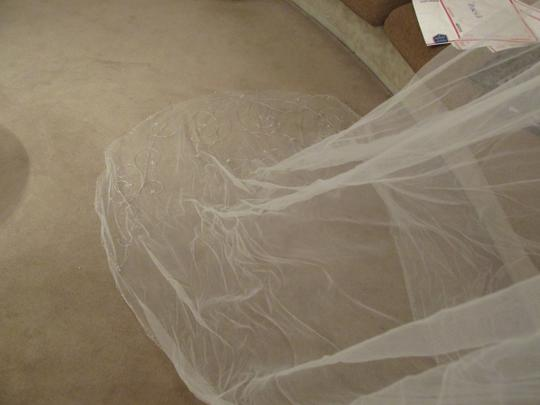 Diamond White Long Miscv3 Bridal Veil