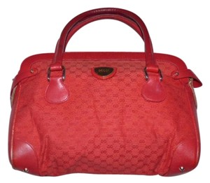 Gucci Doctor's Boston Rare All Canvas Great Pop Of Color Small Logo Print Satchel in Red