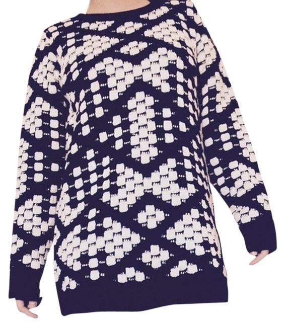 Preload https://item4.tradesy.com/images/romeo-and-juliet-couture-black-and-white-sweaterpullover-size-2-xs-1727708-0-0.jpg?width=400&height=650