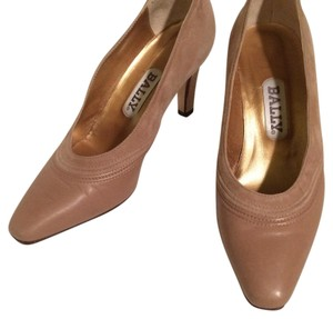 Bally Tan Pumps