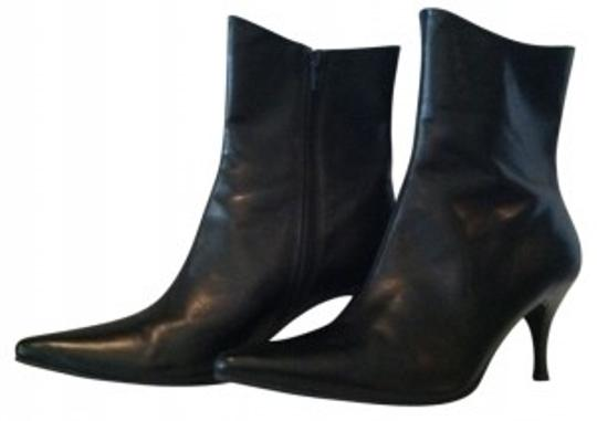 Preload https://img-static.tradesy.com/item/17280/black-bootsbooties-size-us-7-regular-m-b-0-0-540-540.jpg