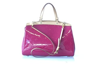 Louis Vuitton Lv Vernis Brea Mm Satchel in Fuschia