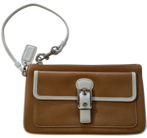 Coach Wristlet in tan/white