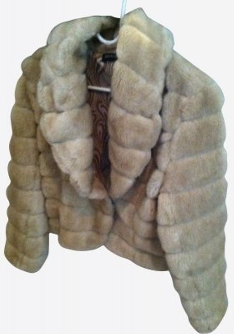 Preload https://item5.tradesy.com/images/ideology-beige-faux-fur-size-petite-6-s-17284-0-0.jpg?width=400&height=650