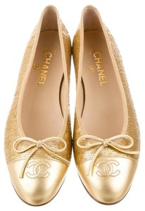 Chanel Hardware Interlocking Cc Gold Flats