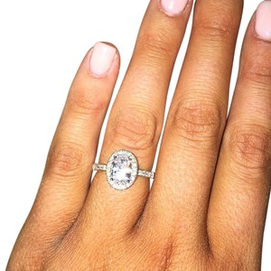 Cubic Zirconia Oval Cut Halo Engagment Ring