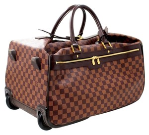 a91468ed4442 Louis Vuitton White Bags - Up to 70% off at Tradesy