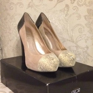 BCBG Paris Taupe Grey Platforms