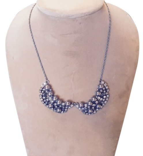 Ann Taylor Pearly statement necklace