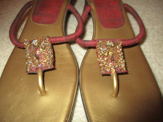 Bata Thong red & gold Sandals