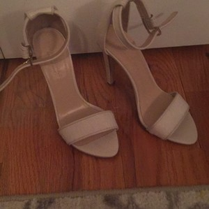 Club Monaco Pumps