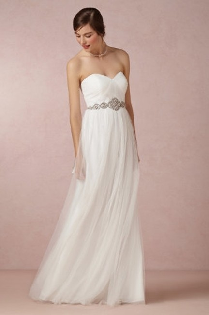 Item - Ivory Tulle Annabelle Formal Bridesmaid/Mob Dress Size 10 (M)
