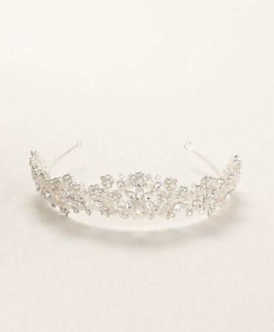 Item - Silver/Pearl Light Colored with and Crytals Tiara