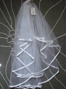 David's Bridal Two Tier Ribbon Edge Veil
