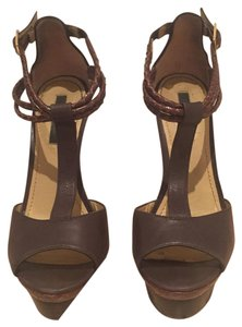 Rachel Roy Brown / print Platforms