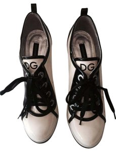 Dolce&Gabbana D&g Two Tone Lace Up Sneaker White and Black Pumps