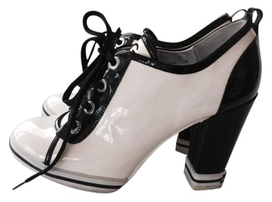 Dolce&Gabbana D&g Tone Lace Up Sneaker White and Black Pumps