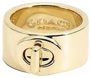 Coach New Coach Gold Tone Turn Lock Ring 99627 Size 6