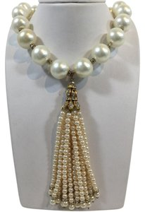 Chanel Chanel Pearl/Gold Necklace