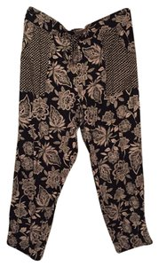 American Eagle Outfitters Capri/Cropped Pants Black